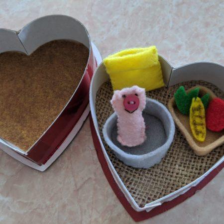 pig miniature playset